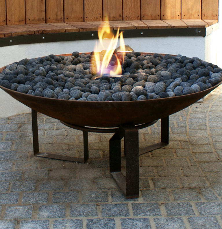 Gallery category outdoor fireplaces image outdoor for Eco friendly fireplace